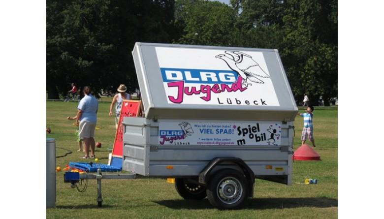 Neue Ausstattung für das Spielmobil der DLRG-Jugend Lübeck