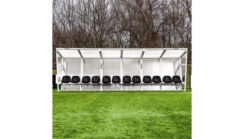 Neue Trainerbänke Stadion Heider SV