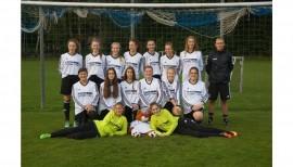 Ausstattung für die neu gegründete B-Jugend-Mannschaft im Frauenfussball
