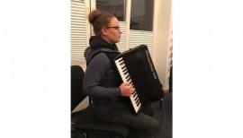 Ein neues Bassakkordeon für den Musik-Club Viöl 4