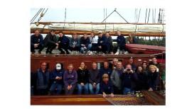 Schüler segeln auf der Ostsee